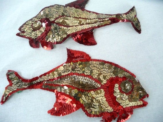 SPARKLY FISH - vintage SEQUINED applique - 2 pieces - gold and red