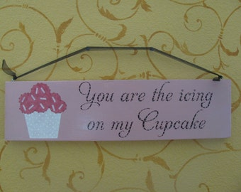 Cupcake Hanging Wall Sign