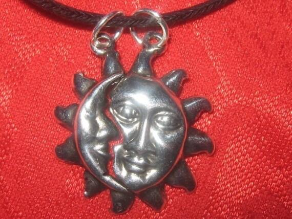 2 Piece Sun Moon Pendant Best Friend Boyfriend Girlfriend Lovers Necklace Astrology