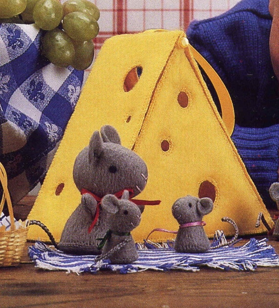 Vintage 1986 Sweet Little Felt Mouse Family in a Swiss Cheese Chalet Pattern