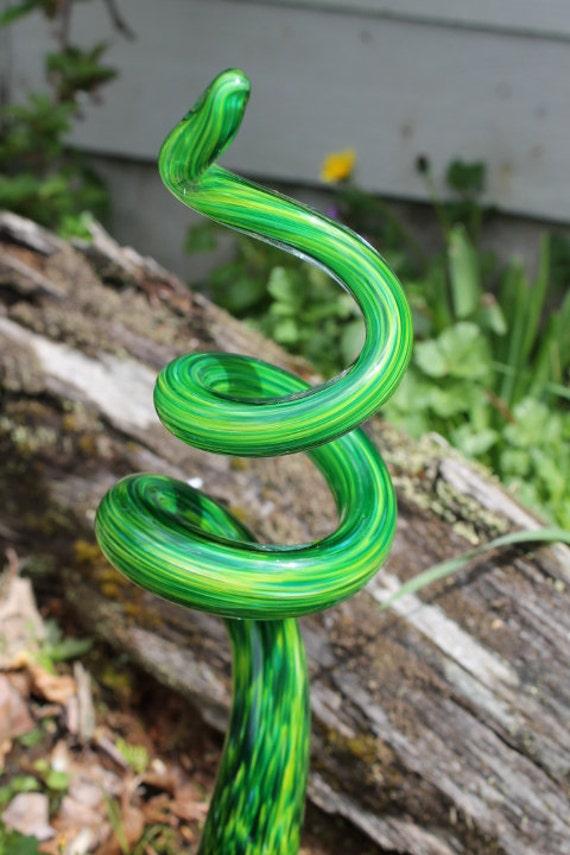 Spring Green Glass Tigger Tail Glass Garden Art Sculpture Outdoor Decoration Garden Finial