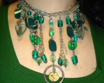 Mixed media choker in green - Statement Necklace - Glass, Metal, Plastic, Acrylic, Chain - Fashion Jewelry