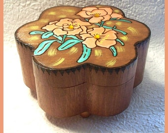 Flower Shaped Jewelry Box, Trinket Box, Unique Gift, Jewelry Holder, Jewelry Organizer, Wood Burned Design, Hand Painted, Decorative