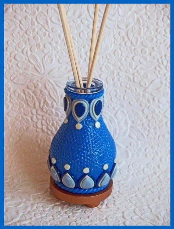 Decorative Mini Diffuser / Air Freshener Bottle with Reeds no. 2