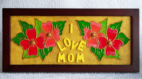 I Love Mom personalize with plaque on back.