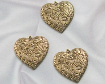 Antique Gold Finish Brass Dapped Etched Heart Stamping 06808 AGF