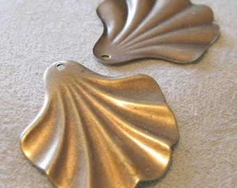 Fancy Flaired Fans In Antique Gold Finish