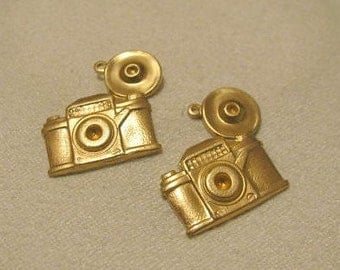 Raw Brass Camera with 1 hole
