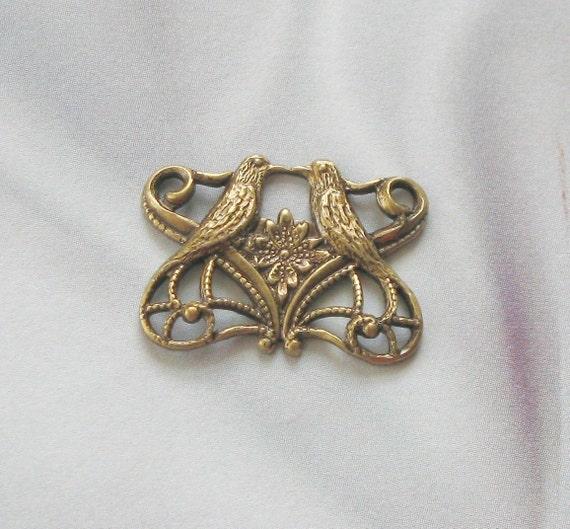Antique Gold Fnish Brass Kissing Birds  Connector  5272 agp