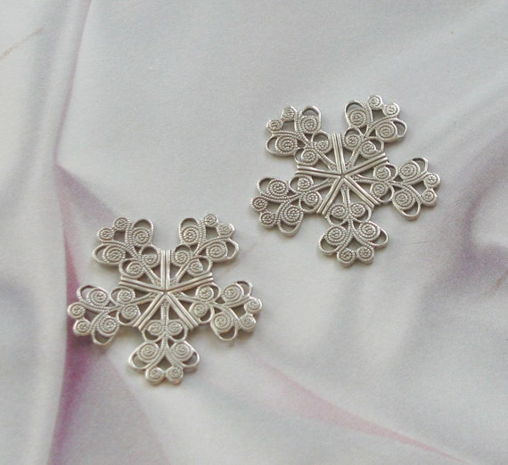 Silver PlatedFINISH FILIGREE SNOWFLAKES  VICTORIAN FINDINGS