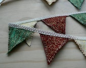 HALF PRICE Christmas bunting in traditional red, green and gold