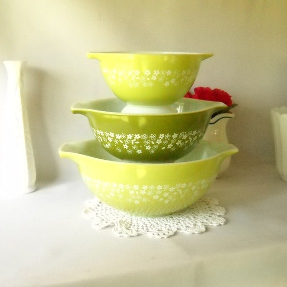 Vintage Pyrex Bowls Crazy Daisy Spring Blossom Avocado Green Bowls Cinderella Set of 3  Retro Kitchen 1970s