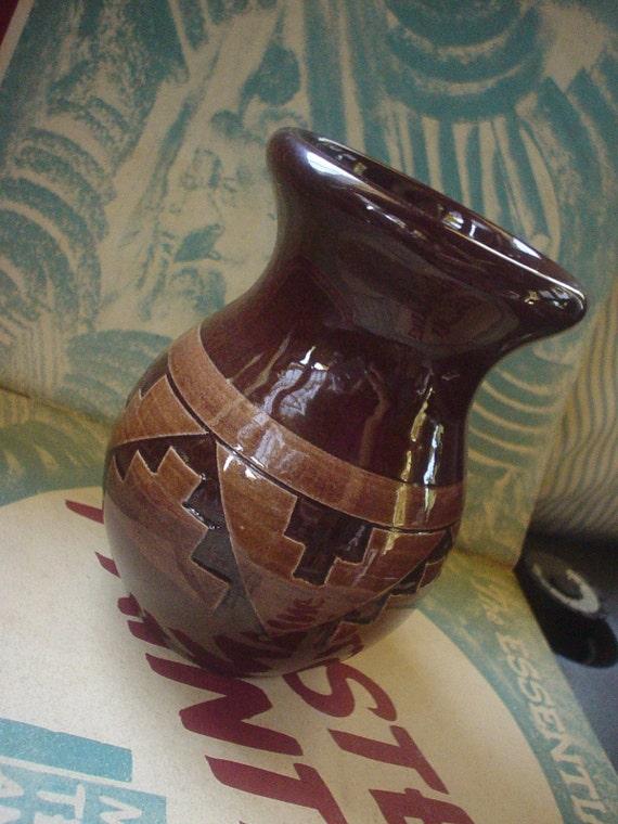 Vintage Sioux Pottery South Dakota Pottery Vase Signed Swift
