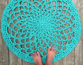 "Turquoise Patio Porch Cord Crochet Rug in 32"" Lacy Circle Pattern"