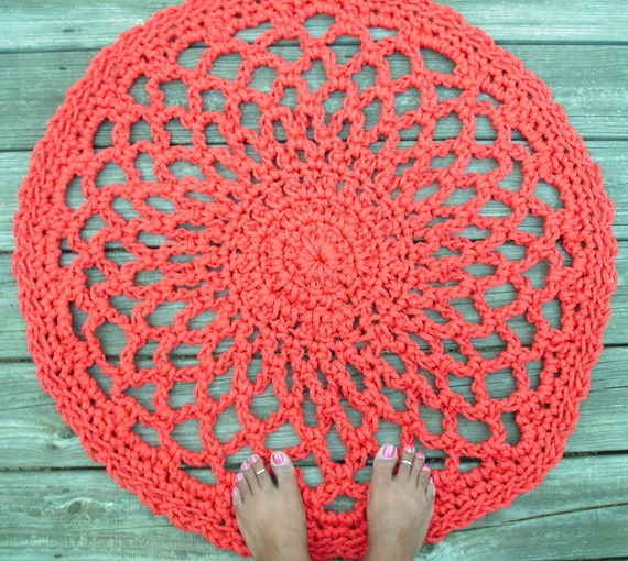"""Red Patio Porch Cord Crochet Rug in 33"""" Lacy Circle Pattern"""