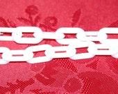 White Plastic Link Chain 3 Feet chp007