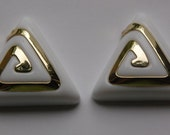 Vintage Chunky White and Gold Triangle Cabochon 32mm (2) cab145C