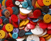 Vintage Assorted Plastic Buttons Retro Color Mix (25) btn033A