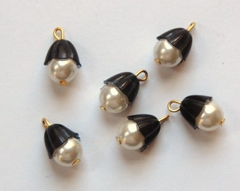 Vintage Pearl Drops with Black Scalloped Bead Caps Japan drp018B