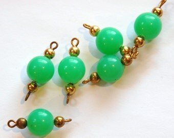 Vintage Green Acrylic Bead 2 Loop Drops Charms drp034