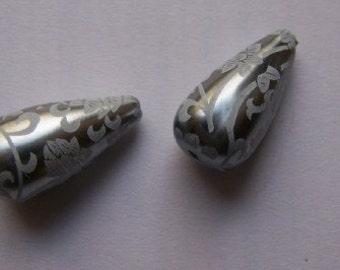 White on Steel Floral Lace Teardrop Tear Drop Beads bds146B