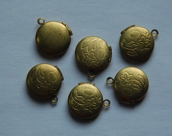 Vintage Raw Brass Round Lockets Etched Flower (6) lkt002B
