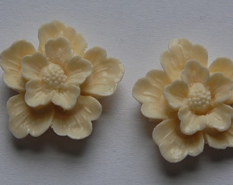 Vintage Creamy Ivory Style Flower Blossom Cabochon cab352B