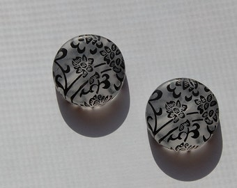 Vintage Style Black on Frost Thick Disc Focal Beads bds151