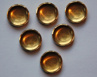 Vintage Brass 12mm Round Setting Cup stn022D