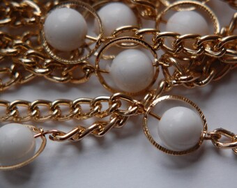 Vintage Funky White Plastic Beaded Chain Gold Links chn036