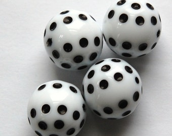 Vintage White with Black Polka Dot Beads 14mm bds436B