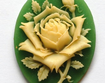 Vintage Ivory Rose on Green Cameo Antiqued 40x30mm cab744B