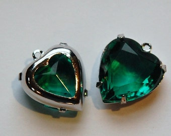 Emerald Green Glass Heart Pendants in 1 Loop Silver Plated Setting 15mm hrt002C