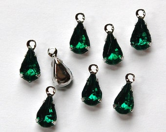 Emerald Green Glass Teardrop Stones in 1 Loop Silver Setting 8x4mm par005F