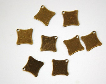 1 Hole Raw Brass Flat Scalloped Square Charms Drops (8) mtl202C