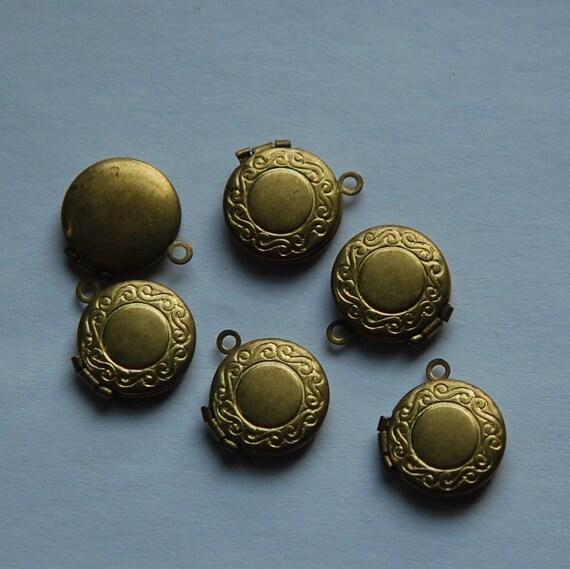 Vintage Raw Brass Round Lockets Etched Border (6) lkt002C