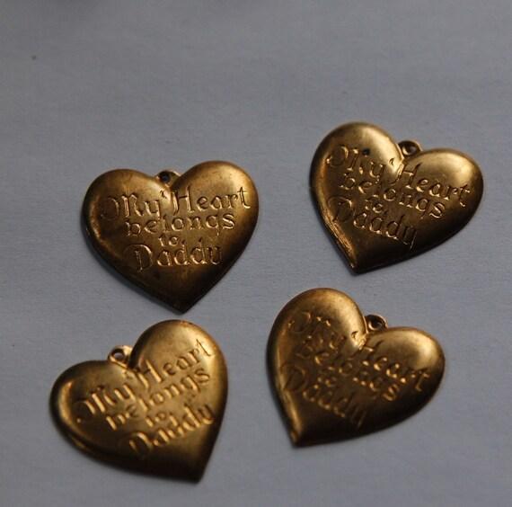 Vintage Brass My Heart Belongs To Daddy Charm Pendants chr060