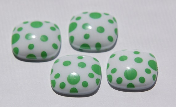 Vitnge Green and White Polka Dot Square Domed Cabochons cab404C