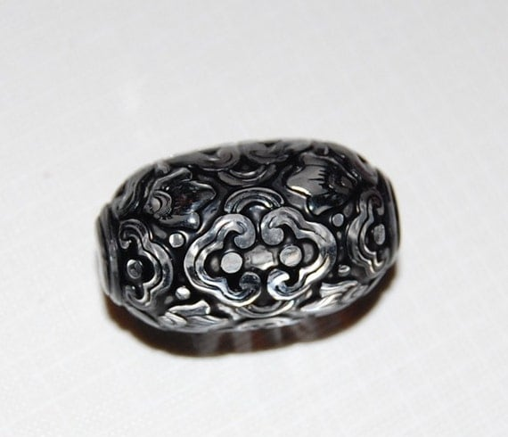 Vintage Style Crystal and Jet Etched Focal Bead 28mmx17mm (2) bds040B