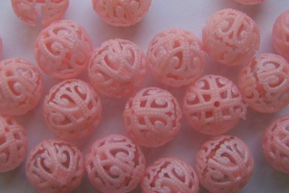 Vintage Plastic Filigree Baby Pink Beads bds056A