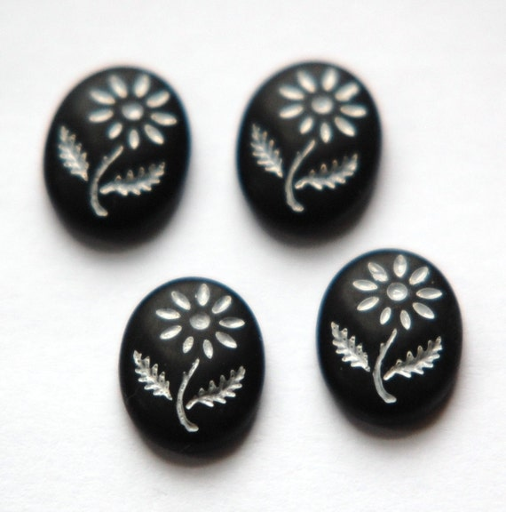 Vintage Black Glass with White Etched Flower Cabochon cab576W