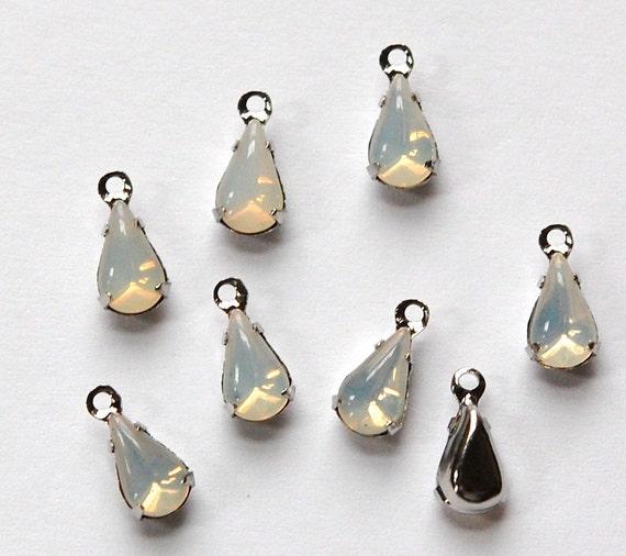 White Opal Glass Teardrop Stones in 1 Loop Silver Setting par005E