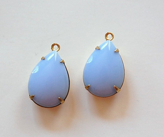 Vintage Opaque Blue Glass Teardrop Stones 1 Loop Brass Setting 18x13mm par004DD