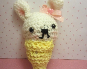 white rabbit  amigurumi