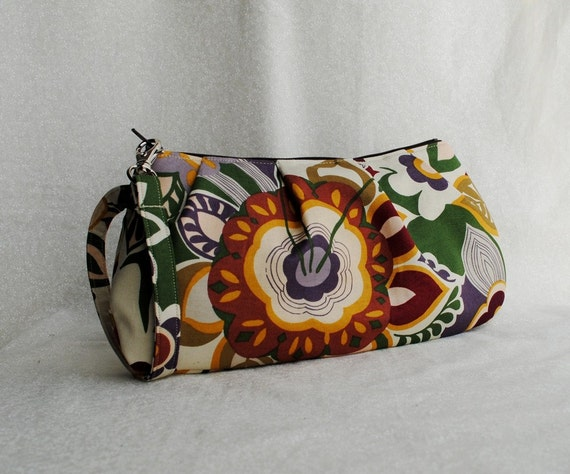 40% OFF - Pleated Wristlet Zipper Pouch - Exotic Main
