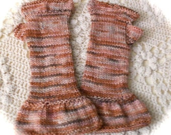 Pretty Ruffled Fingerless Gloves Pattern
