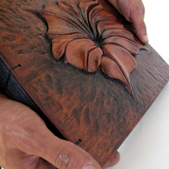 Flor - hand carved photoalbum