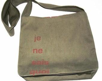 Je Ne Sais Quoi Crossbody Messenger  Bag