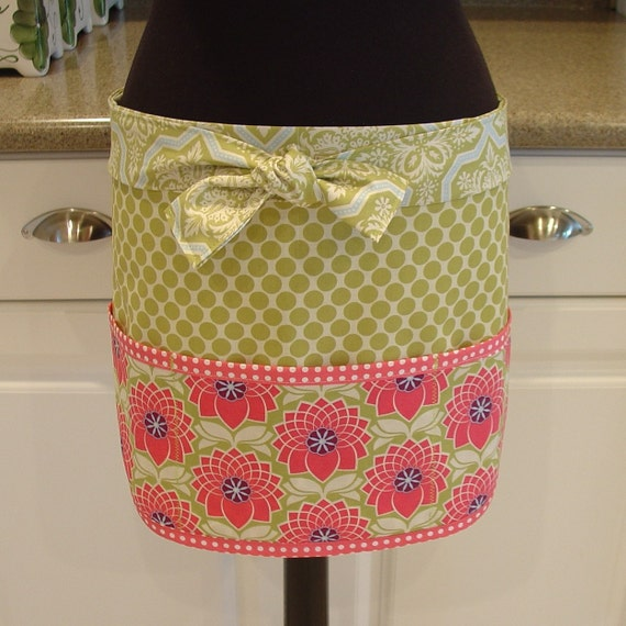 SALE Craft Apron - Vendor Apron - Utility Apron Chrysanthemums with Green Dots