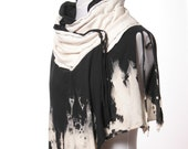 Black and White Artistic Capelet